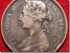 queen victoria later bun head detail
