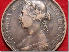 queen victoria later bun head detail